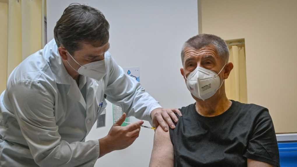 Český premiér Babiš dostal tretiu dávku vakcíny proti covidu