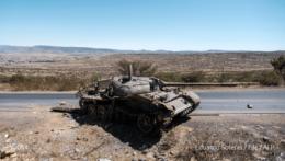 Poškodený tank v Etiópii.