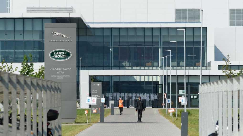Automobilka Jaguar Land Rover prerušila výrobu v Nitre