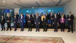 lídri členských krajín EÚ a únijní činitelia