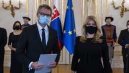 novovymenovaný podpredseda Najvyššieho správneho súdu (NSS) SR Marián Trenčan a prezidentka SR Zuzana Čaputová